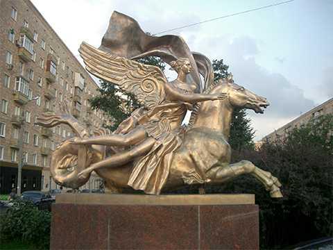 Выставка «Скульптура и город»