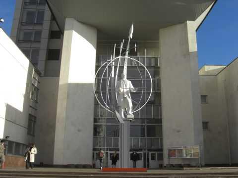 Венера Космоса и 12-метровый Гагарин
