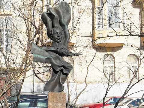 Скульптура и город. Памятник М.Ю.Лермонтову на Молчановке
