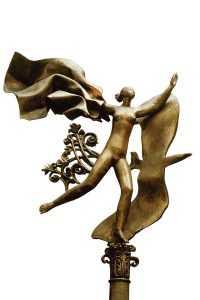 Из жизни скульптур Александра Бурганова. Юность