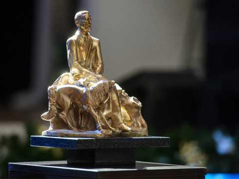 Скульптура А.Н. Бурганова для X Благотворительного Рождественского бала
